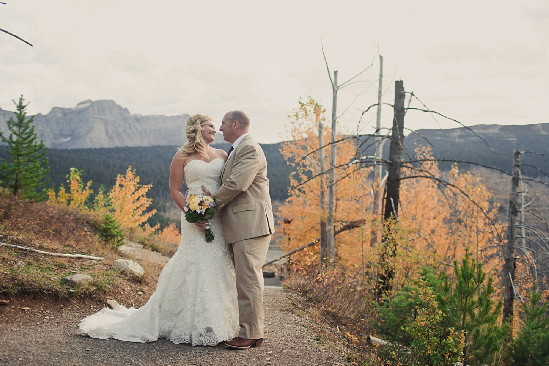 Jennifer_Mooney_photo_day_after_session_glacier_park_elegant_wedding_bride_groom_destination_-26.jpg