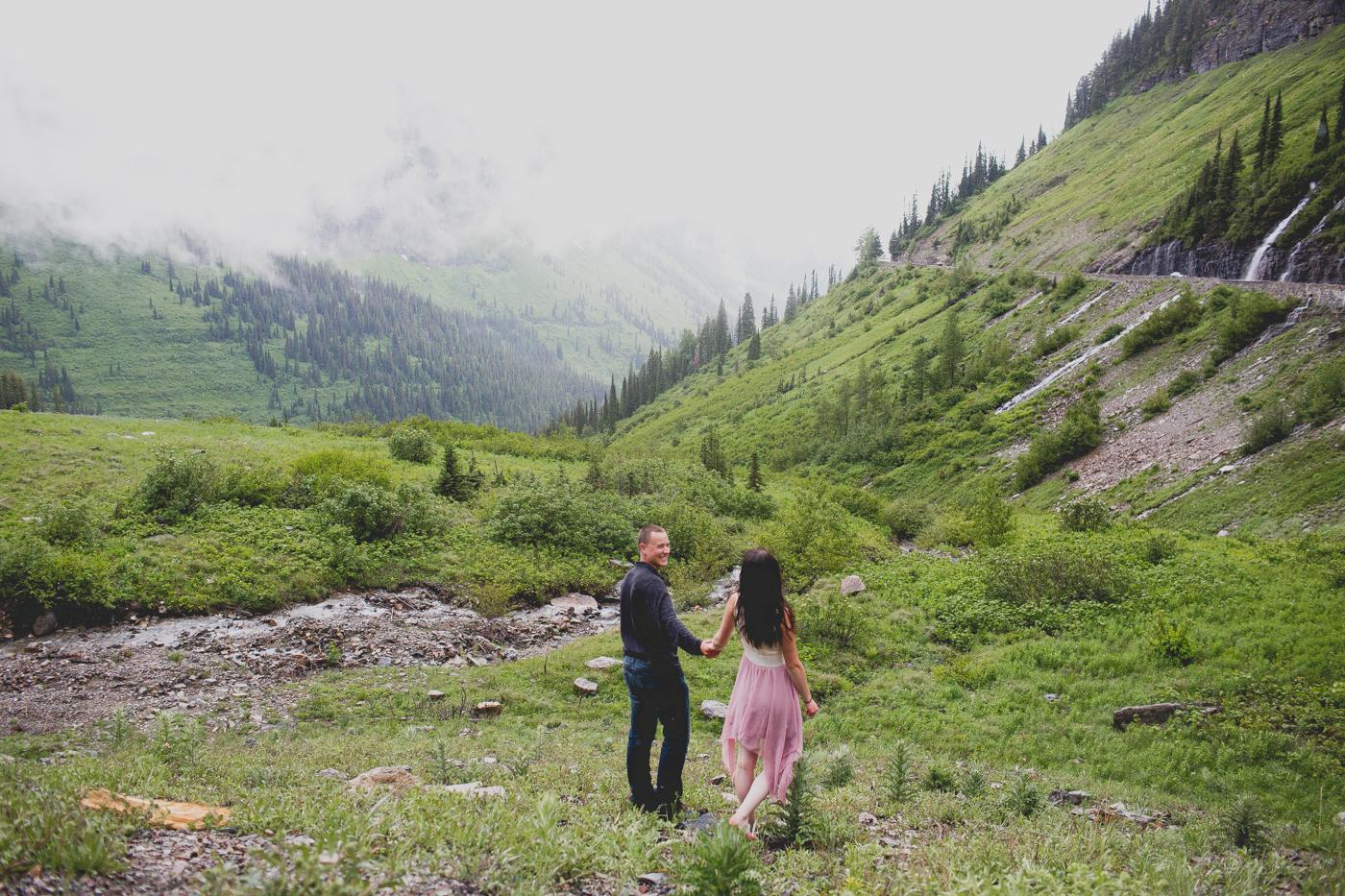 Jennifer_Mooney_Photo_shaw_engagement_session_glacier_national_park_00014.jpg