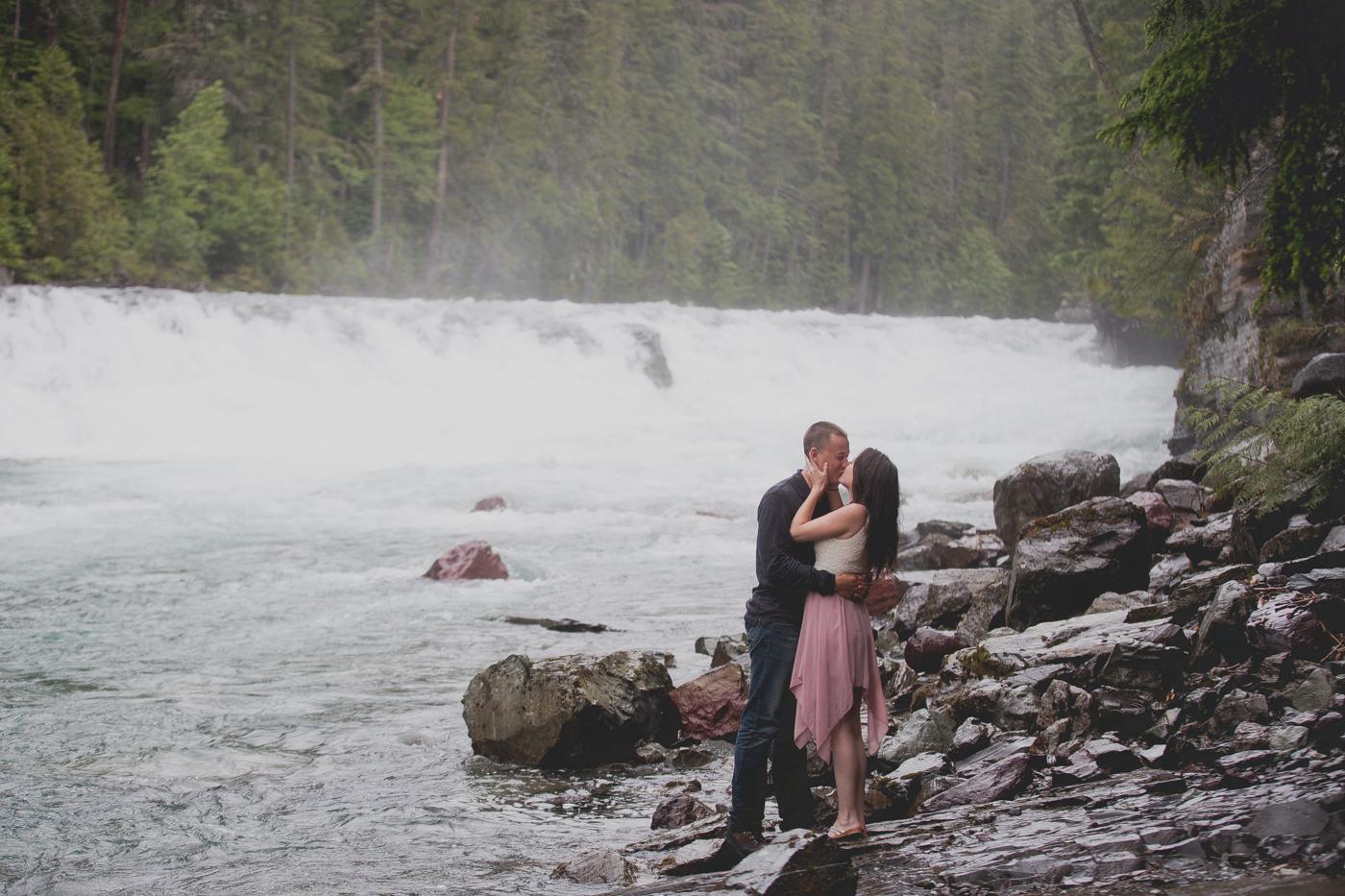 Jennifer_Mooney_Photo_shaw_engagement_session_glacier_national_park_00019.jpg