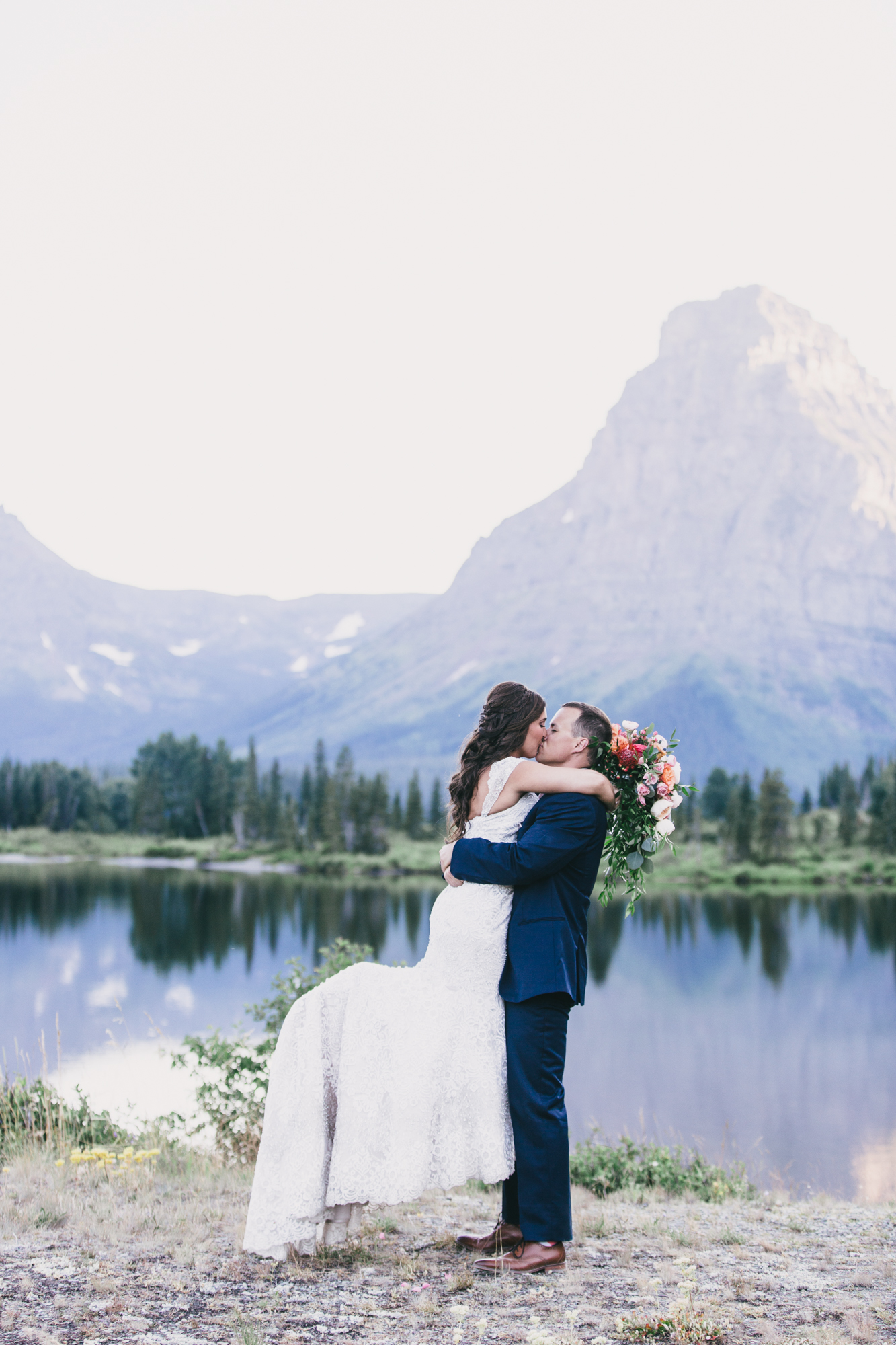 Jennifer_Mooney_Photo_Kelsey_Logan_East_Glacier_Wedding_00016.jpg