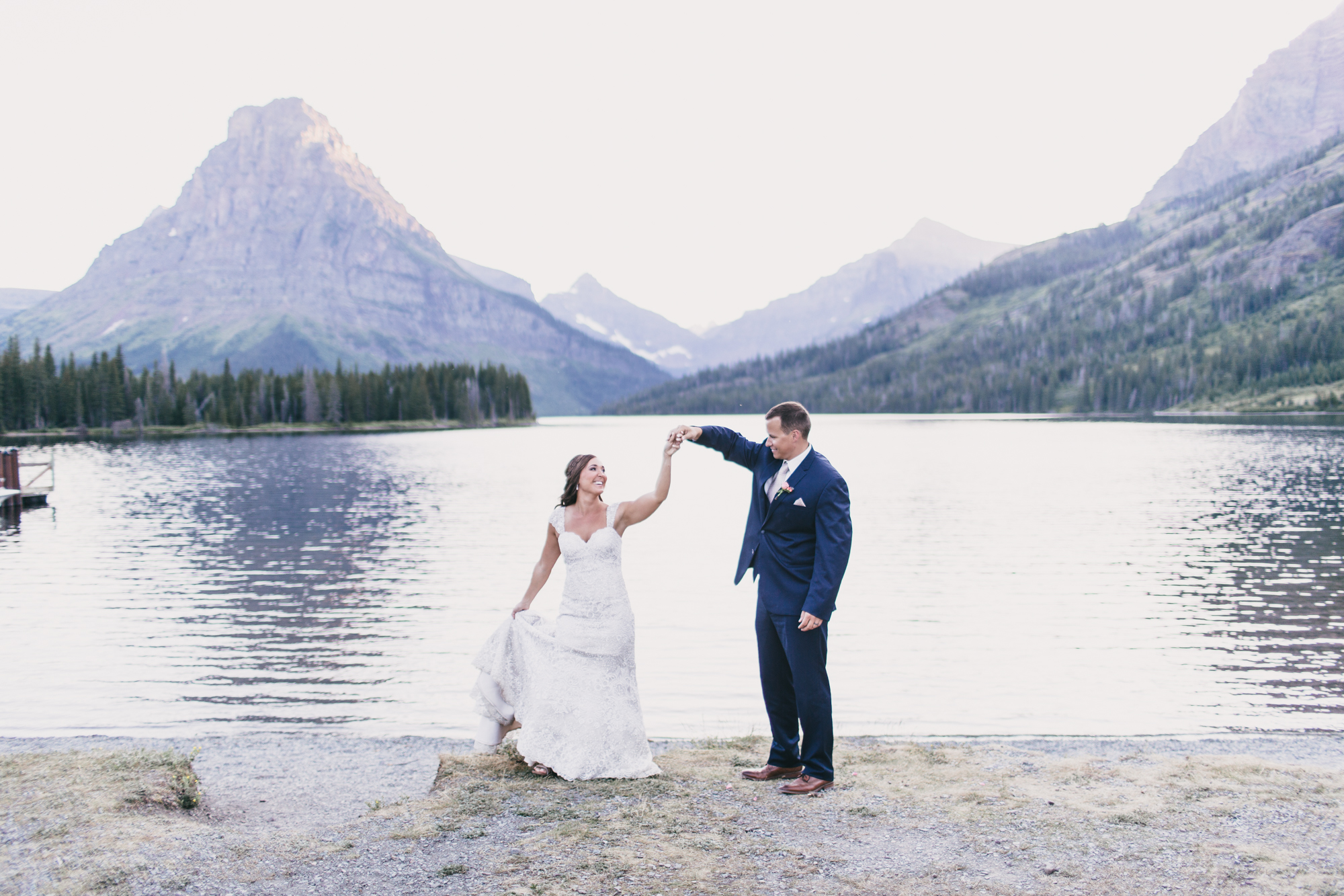 Jennifer_Mooney_Photo_Kelsey_Logan_East_Glacier_Wedding_00018.jpg