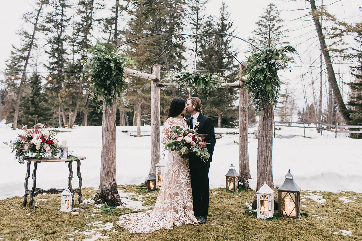 Jennifer_Mooney_Photography_Montana_45_Elegant_Winter_Wedding__038.jpg