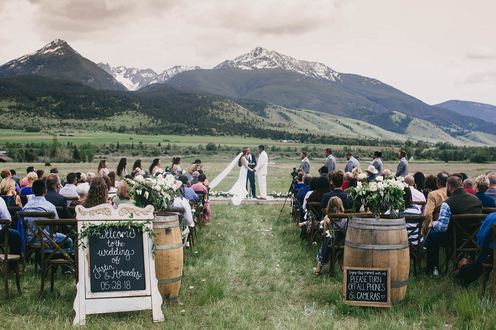 Jennifer_Mooney_Photography__Elegant_Bozeman_Montana_Wedding_093.jpg