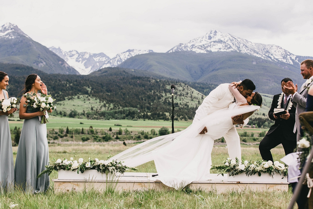 Jennifer_Mooney_Photography__Elegant_Bozeman_Montana_Wedding_098.jpg