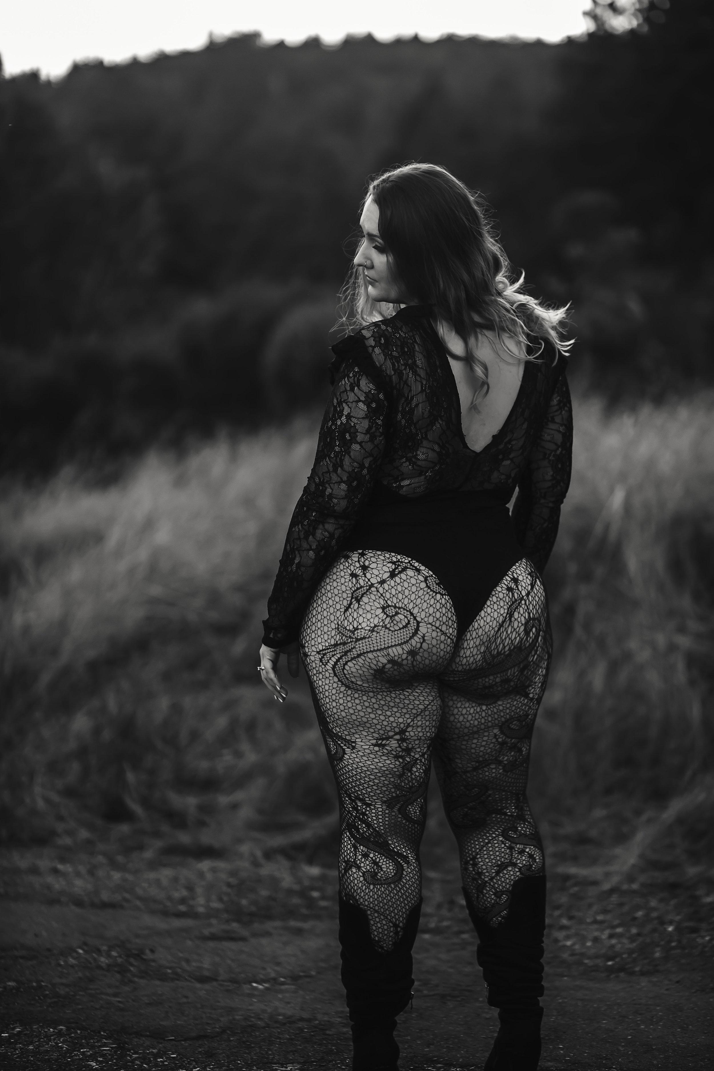 Sonoma County photography | Bridal Boudoir | Outdoor Boudoir | Napa, Ca | Sonoma County, Ca | Santa Rosa, Ca | Wine Country photographer | Petaluma, Ca