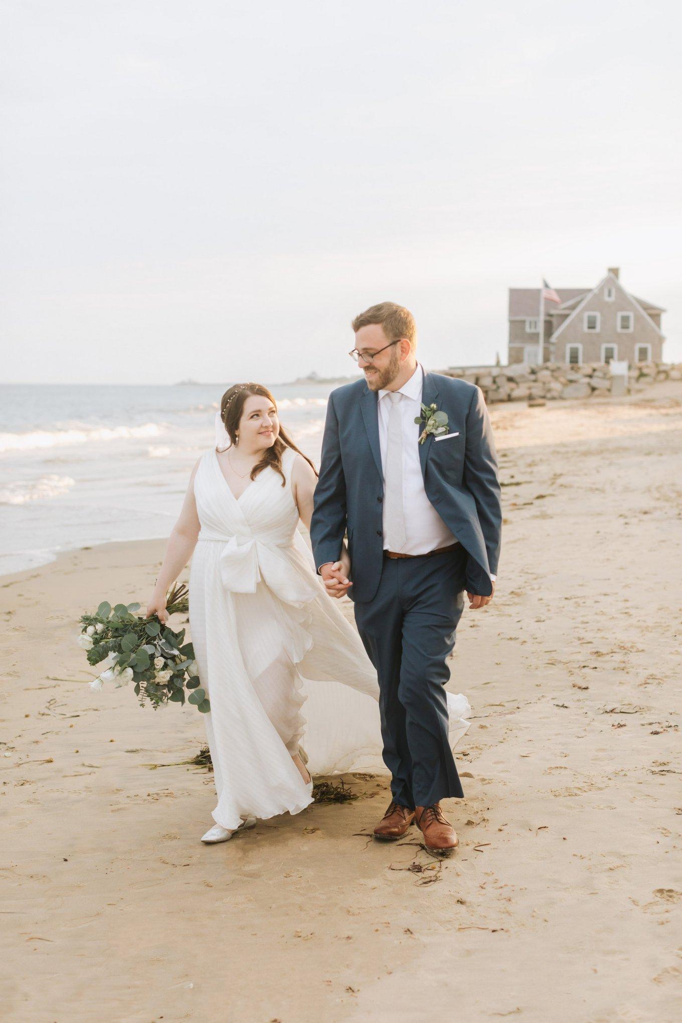 Newport-Wedding-Backyard-Photographer-27.jpg