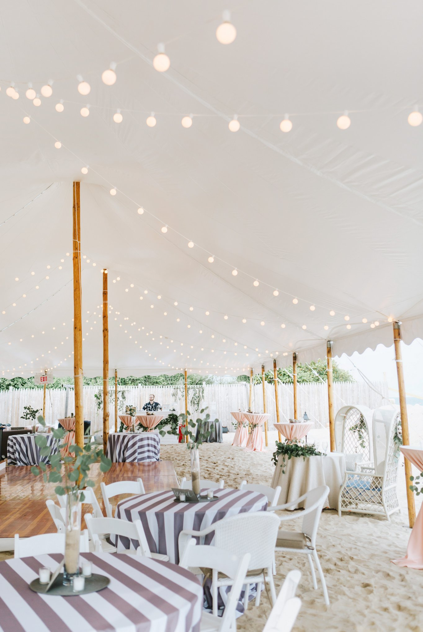 Newport-Wedding-Backyard-Photographer-28.jpg