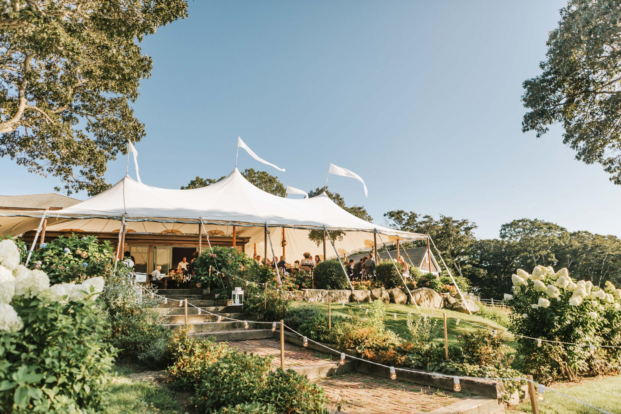 Marthas-Vineyard-Wedding-Photographer-Beach-Plum-Inn-27.jpg