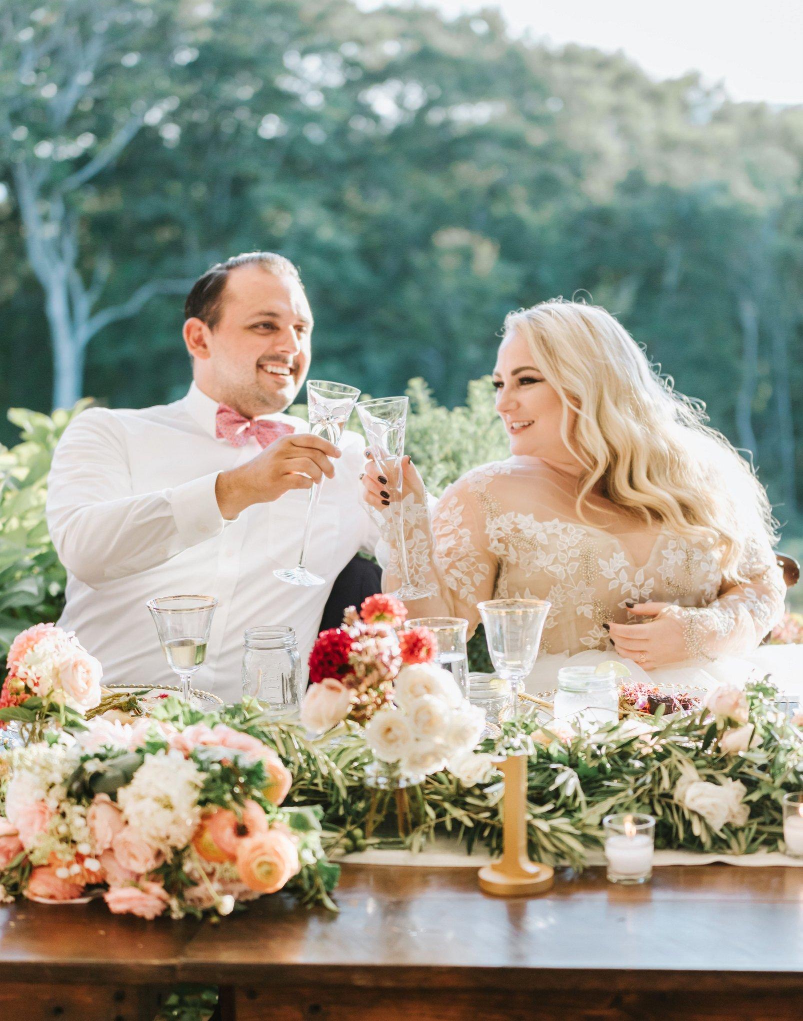 Marthas-Vineyard-Wedding-Photographer-Beach-Plum-Inn-33.jpg