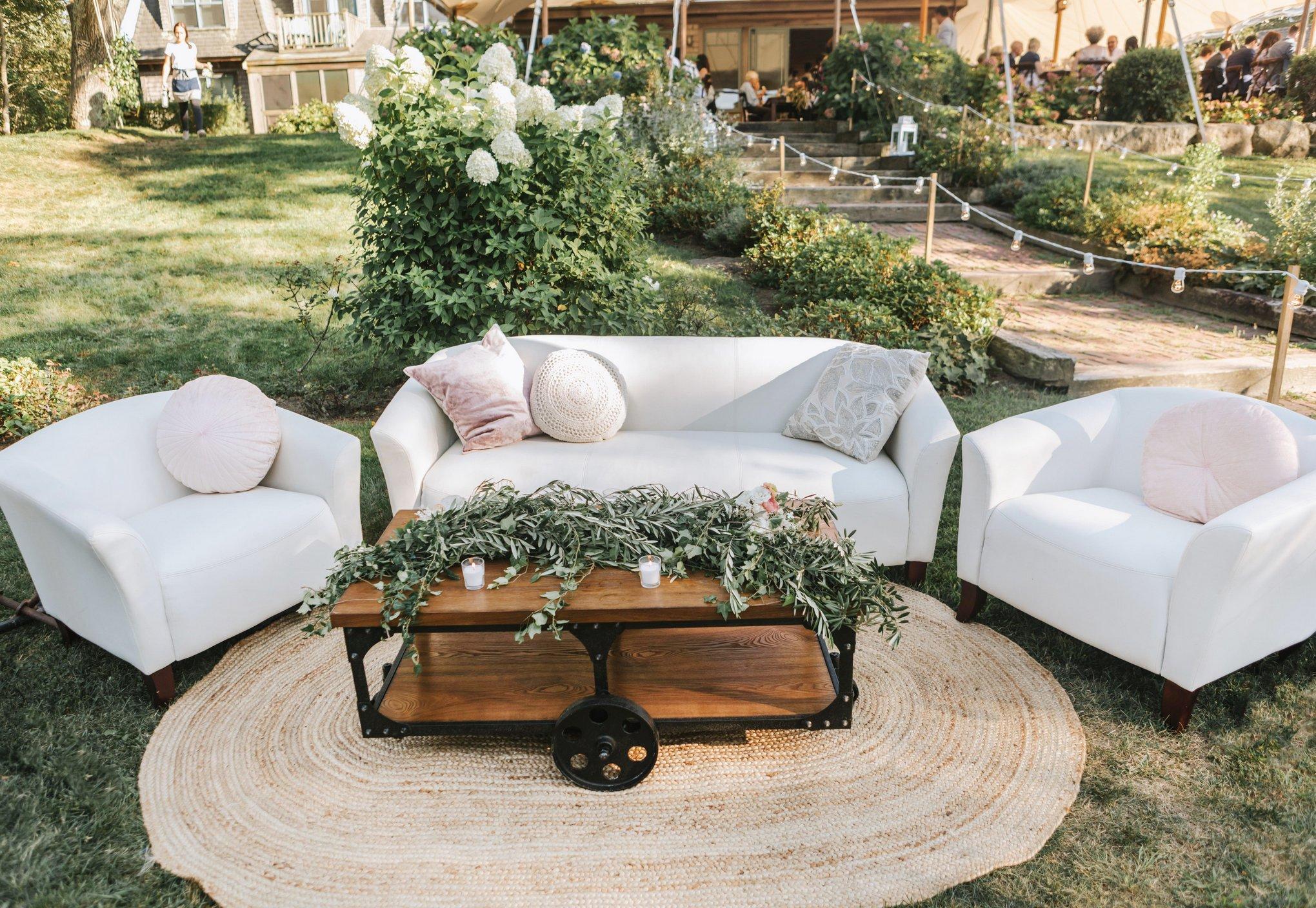 Marthas-Vineyard-Wedding-Photographer-Beach-Plum-Inn-37.jpg