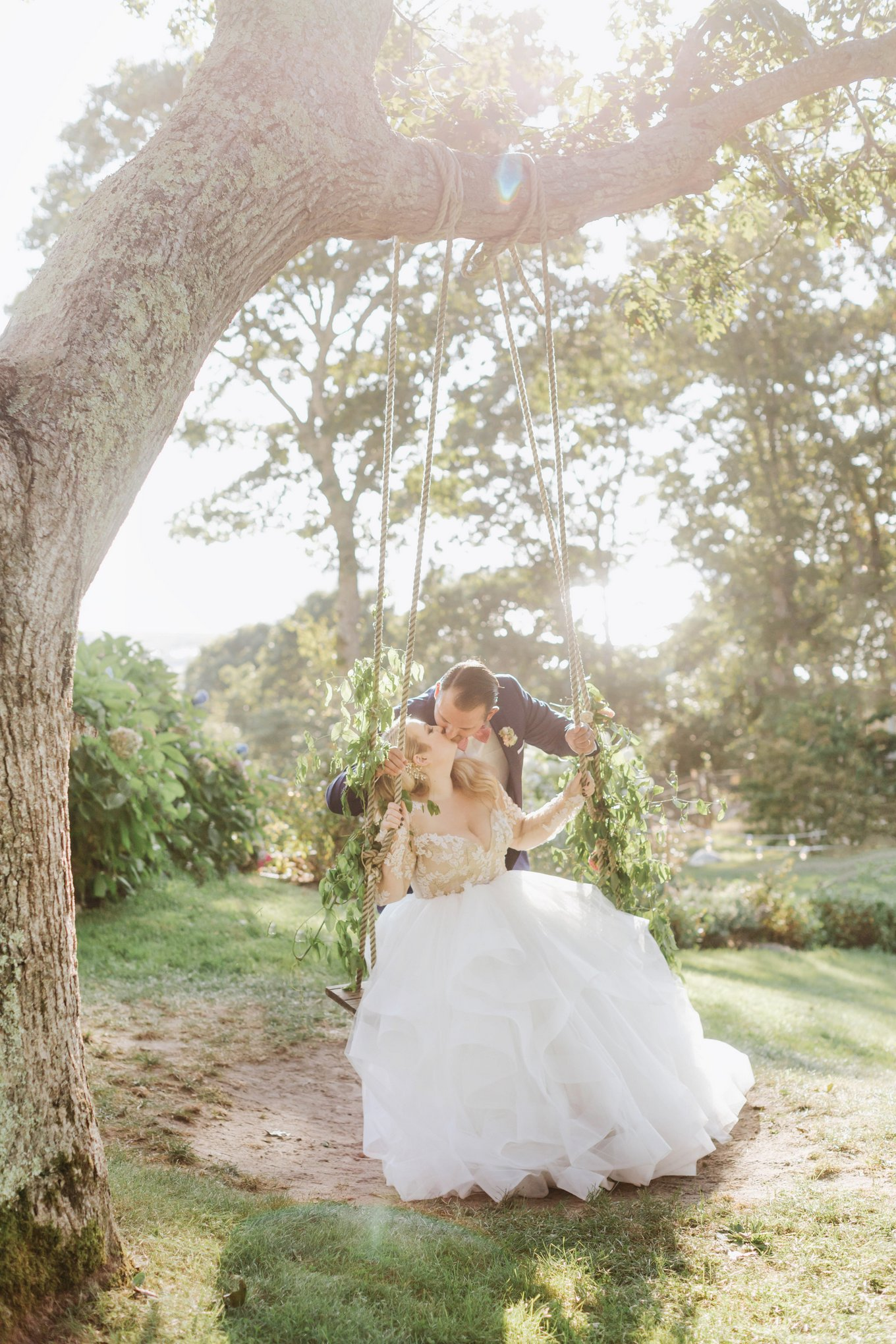 Marthas-Vineyard-Wedding-Photographer-Beach-Plum-Inn-39.jpg