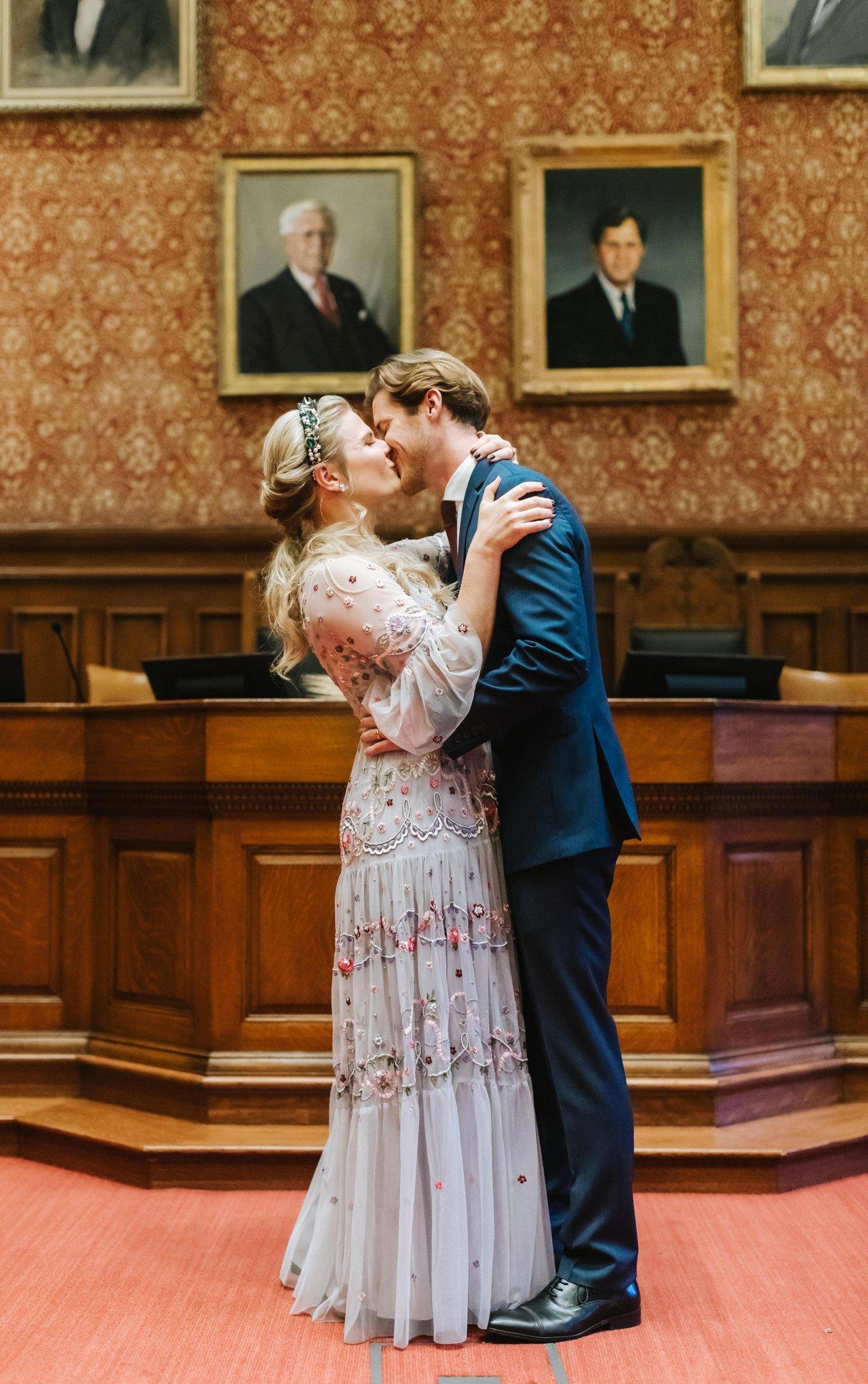 Cambridge-City-Hall-Wedding-Photographer-005.JPG