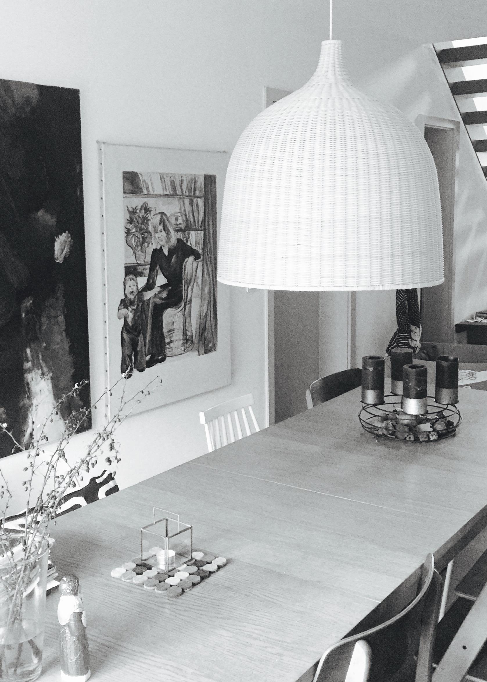 Der große Ikea-Lampenschirm aus Korb hing seit unserem Einzug nur als Platzhalter über dem Esstisch