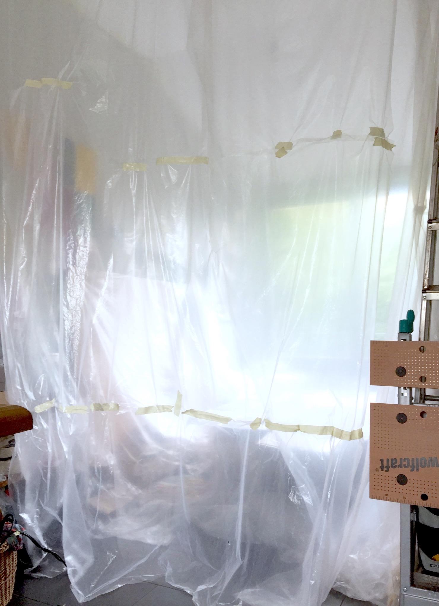 Was vorher unser zweites Wohnzimmer war (Fotos oben in schwarz-weiß), wurde nun von mir zur temporären Werkstatt umgenutzt