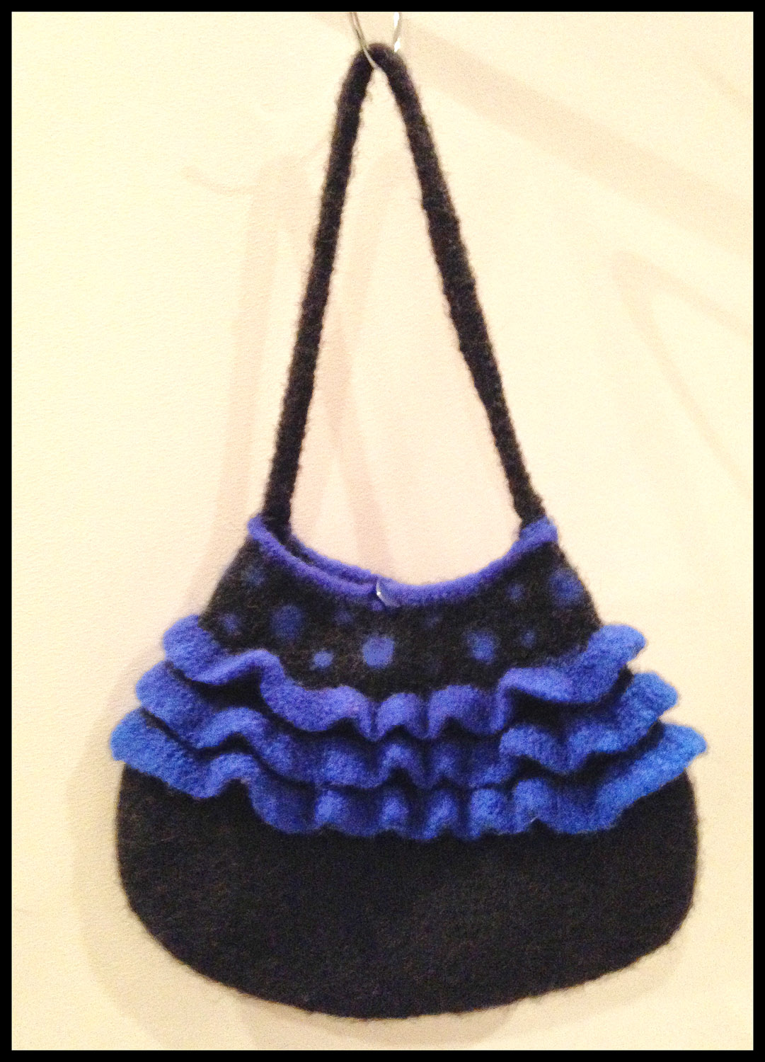 A bag that Telena has completed in the past to show us what she's working towards.