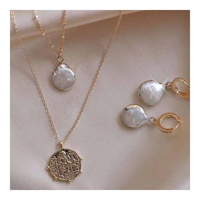 Pretty little things ✨ Shop #lovemeknotshi favorites.