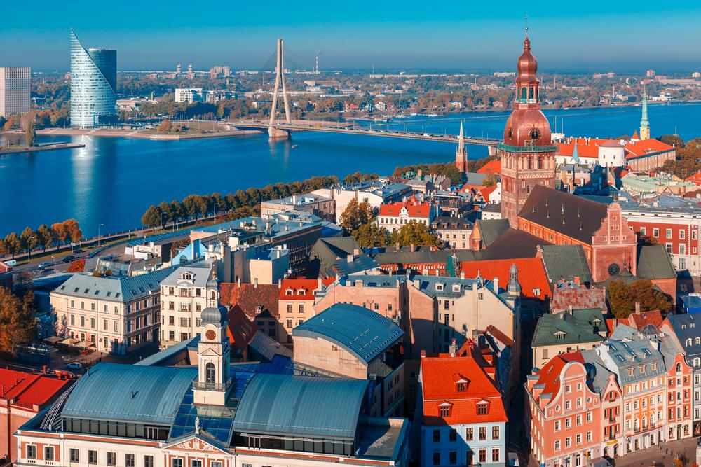 L2F-Feb-16-pic-Latvia-Riga-kavalenkava-volha-shutterstock_336540551.jpg