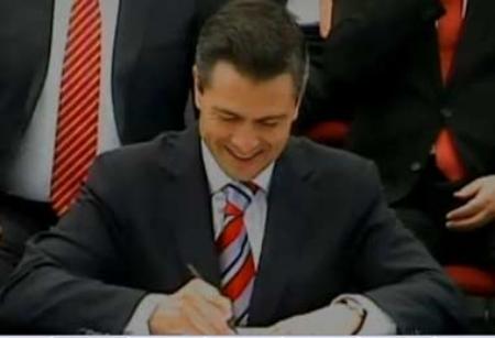 """""""Dear Señor Trump. Go fuck yourself. Sincerely, Mexico."""""""