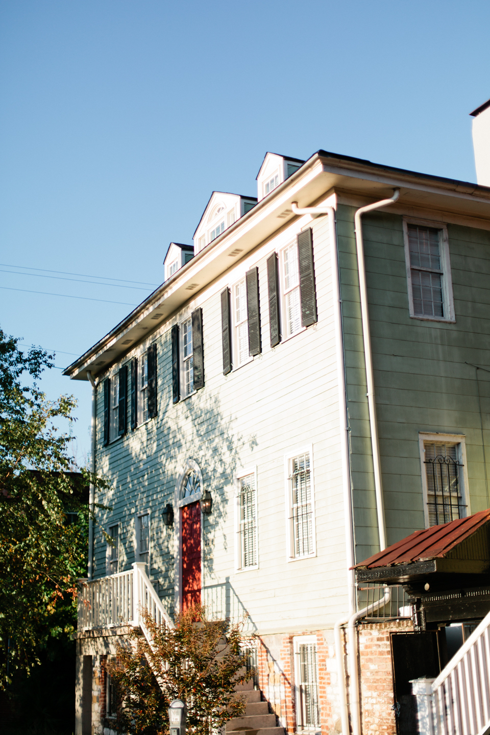 Picture of a coastal South Carolina house, three stories with dormers in Montage Palmetto Bluff.