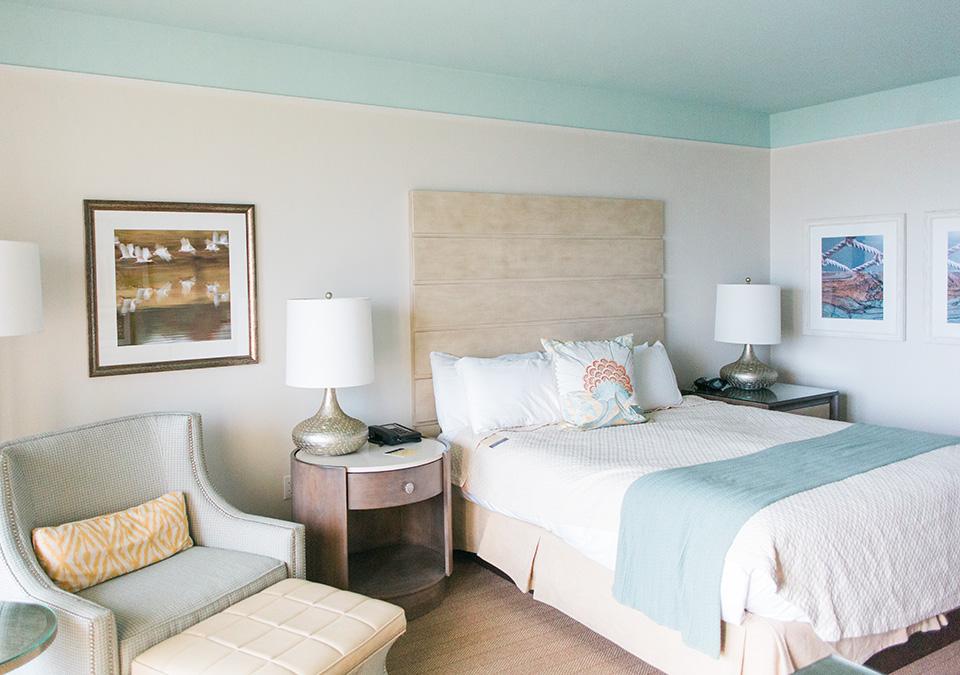 Picture of a hotel room with coastal decor at the Omni Amelia Island Plantation Resort.