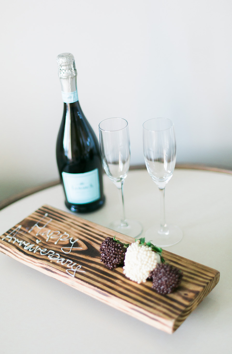 Image of champagne and chocolate covered strawberries at the Omni Amelia Island Plantation Resort.