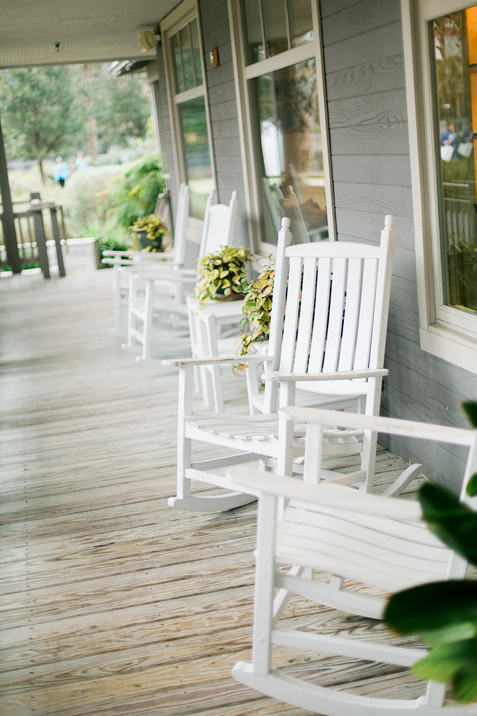 Picture of the Spa Boutique rocking chairs on the Omni Amelia Island Plantation Resort.