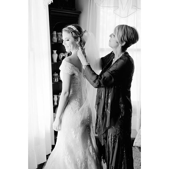 Those beautiful moments with Momma before walking down the aisle. #motherofthebride