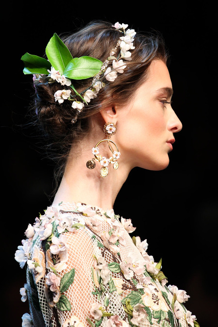 Dolce & Gabbana  Spring 2014 Ready-To-Wear  Source:  Style.Com   Photo:  Marcus Tondo  /  indigitalimages.com