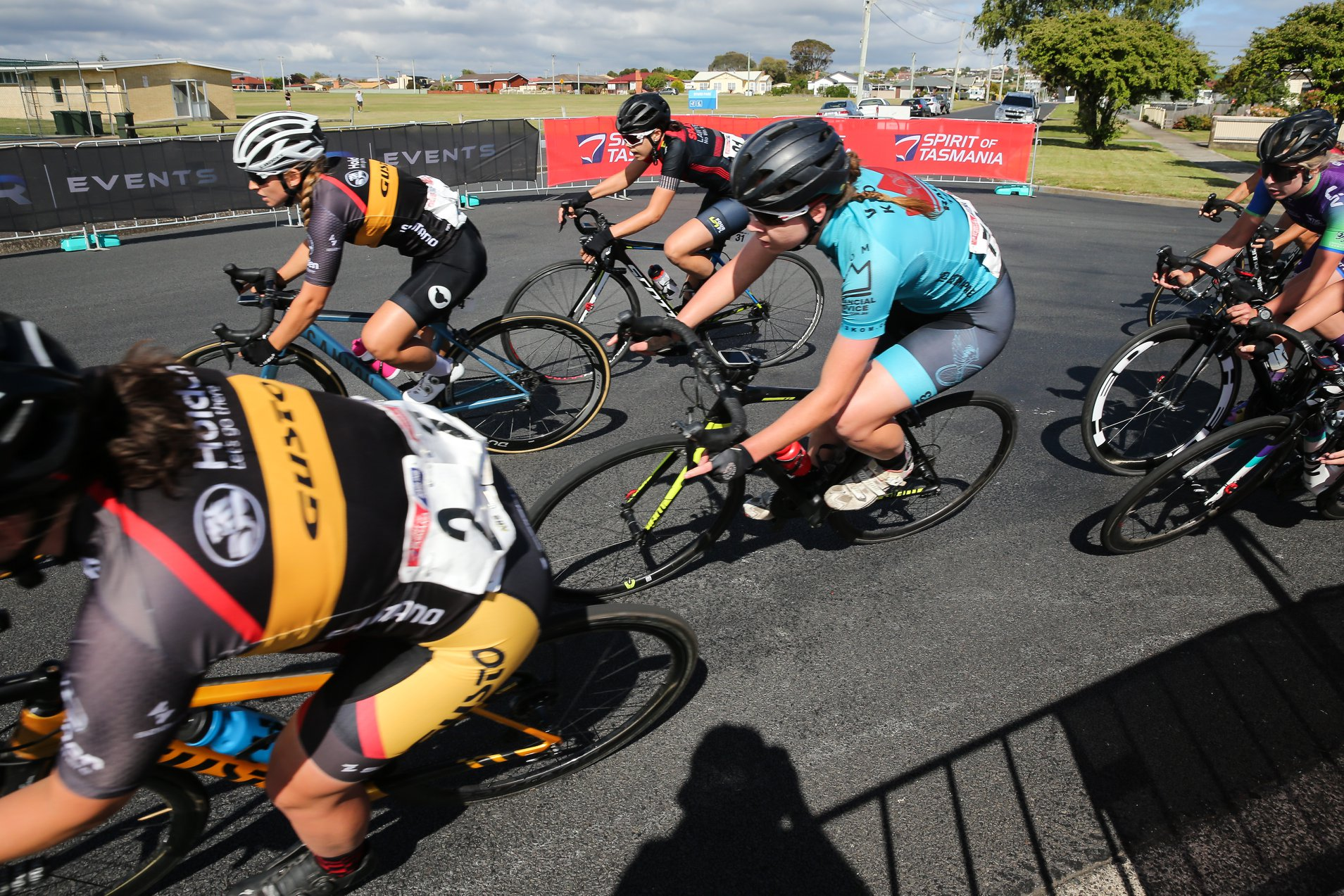 Kirsty Deacon takes the final corner of the crit on Stage 3. Photo Credit: Con Chronis Photography.