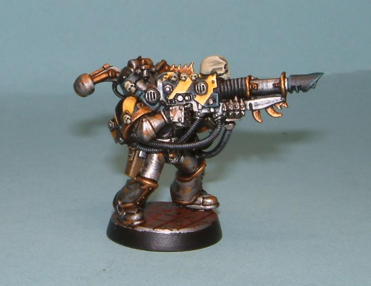 iron warrior heavy weapon 1.JPG