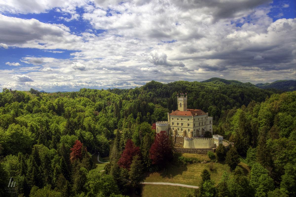 Aerial shot of Trakoscan Castle