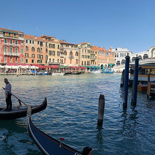Unreal 🥰 #amazing #trip #friends #holiday #venezia #venedig #unreal #rialtobridge #traveling #exploring