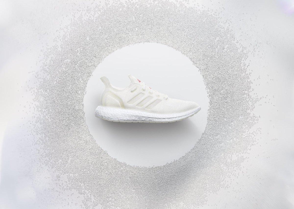 The all new Futurecraft.Loop running shoe.