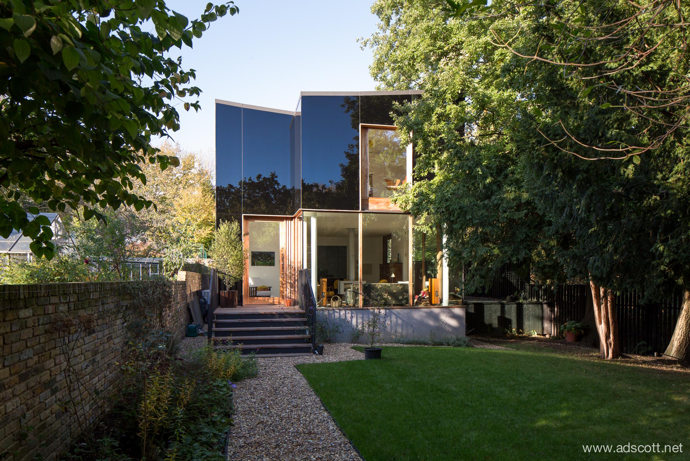 20141028-Tree_House_Ian_McChesney_01.jpg
