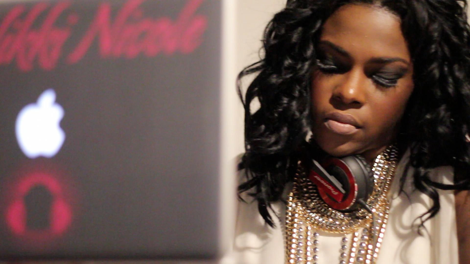 DJ Nikki Nicole