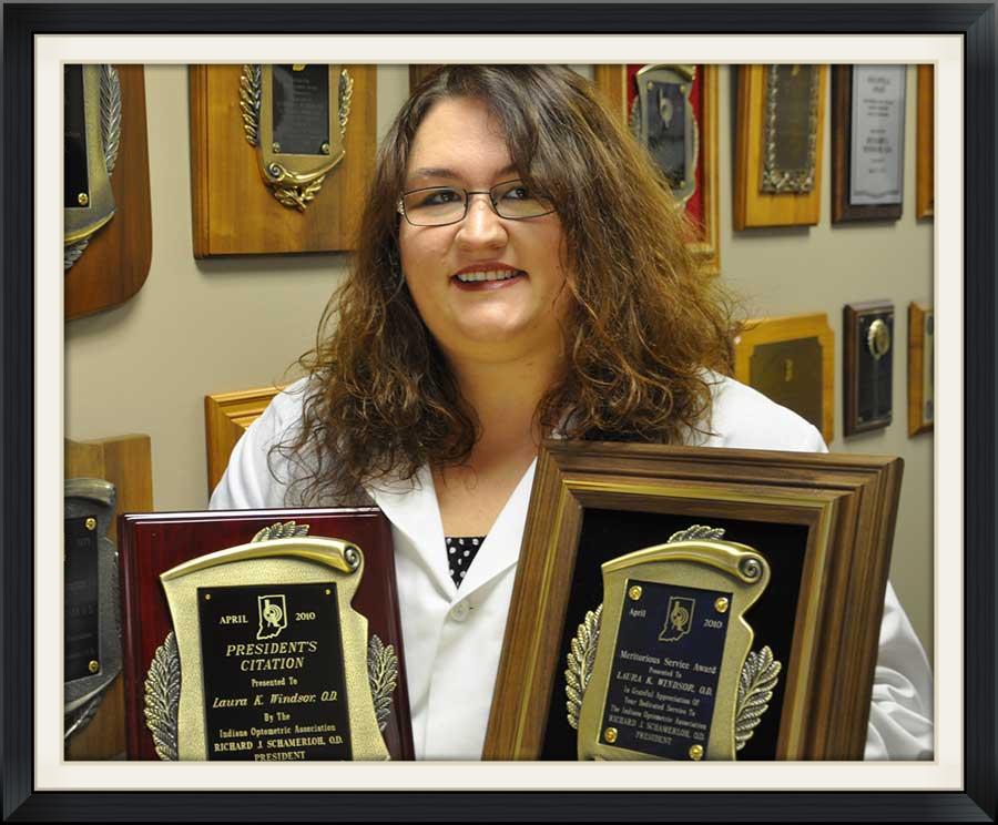 Dr-Laura-Award.jpg