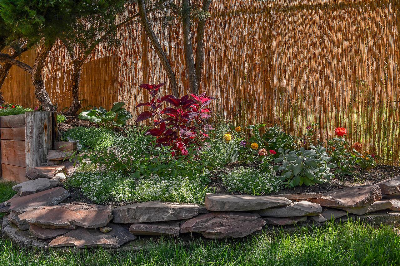 Flower & Herb Garden