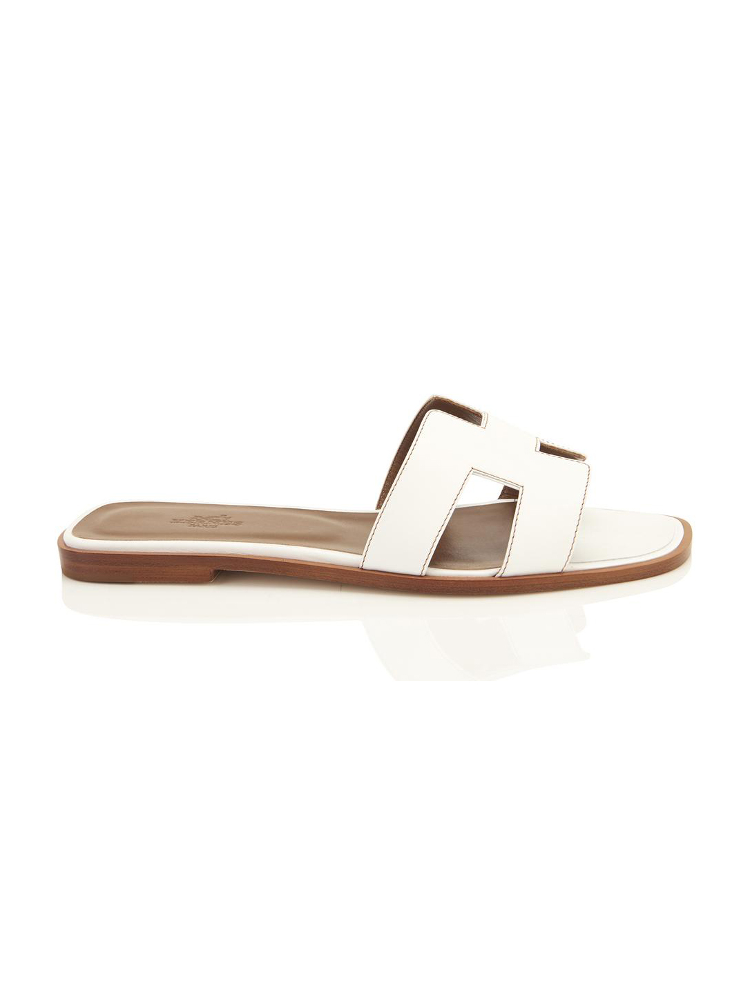 hermes-white-oran-orans-flat-39-sandals-size-us-85-regular-m-b-21753760-3-0.jpg