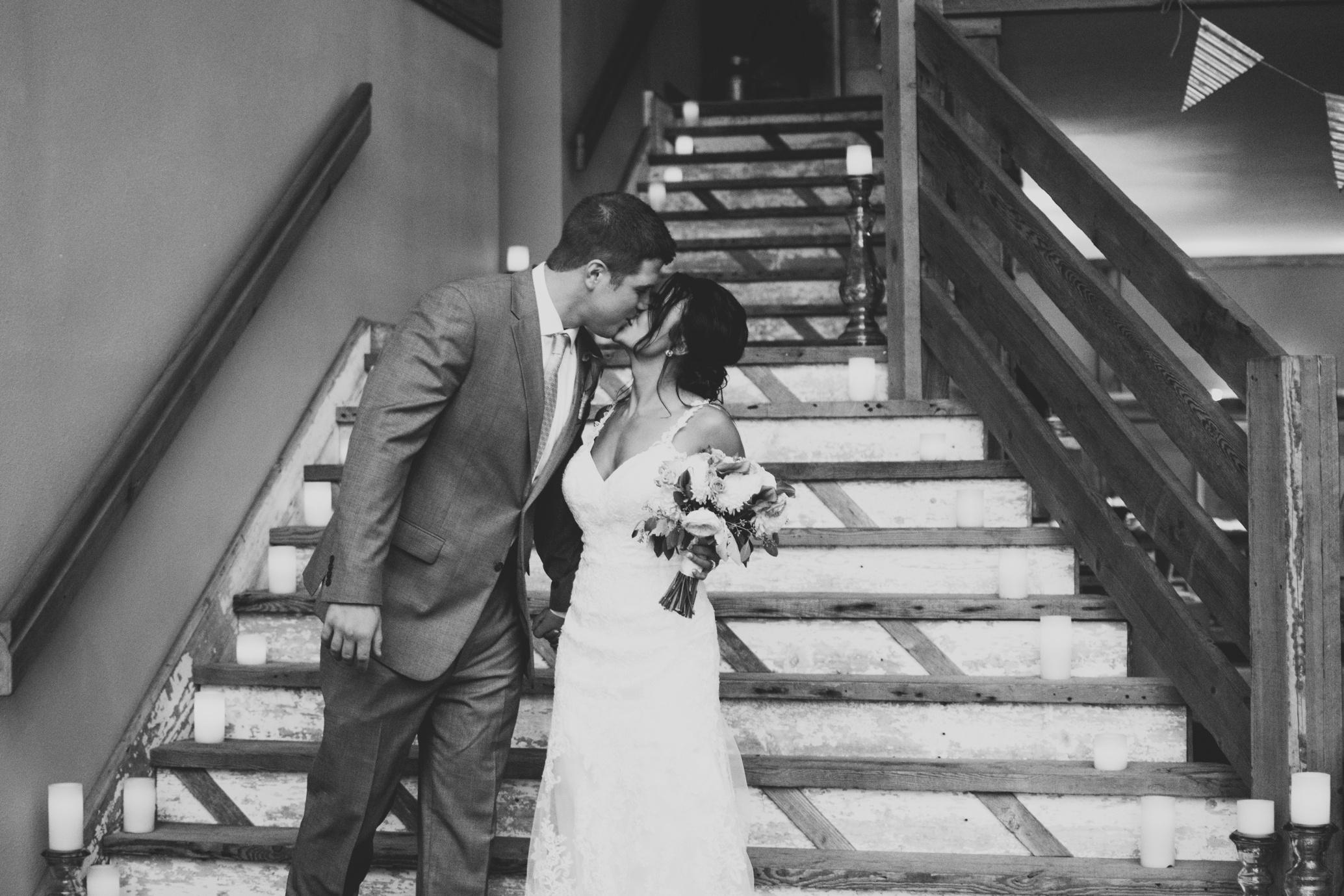 Barnes' Place Rustic Outdoor Wedding | Ali Leigh Photo Minneapolis Wedding Photographer_0164.jpg