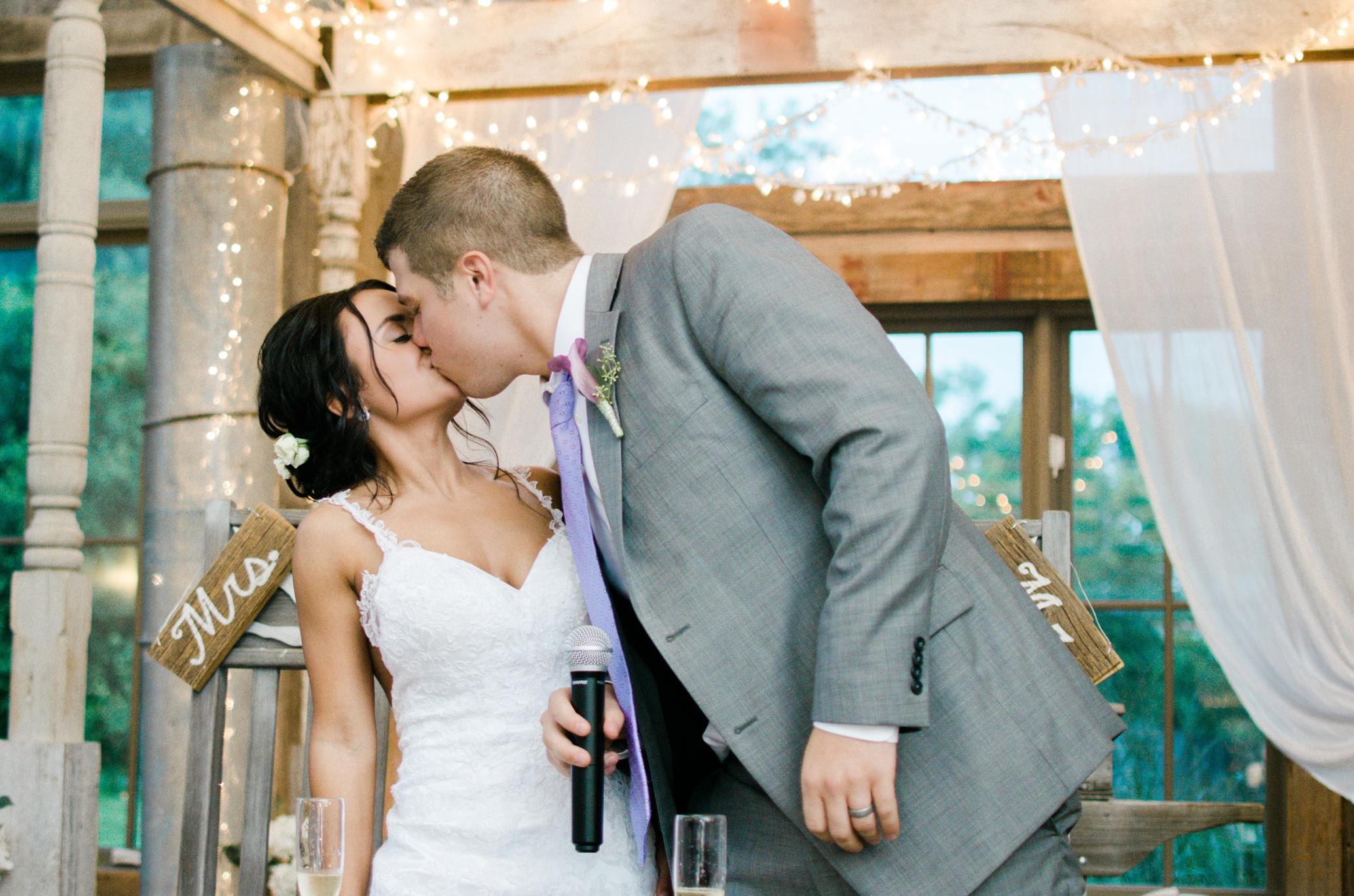 Barnes' Place Rustic Outdoor Wedding | Ali Leigh Photo Minneapolis Wedding Photographer_0168.jpg