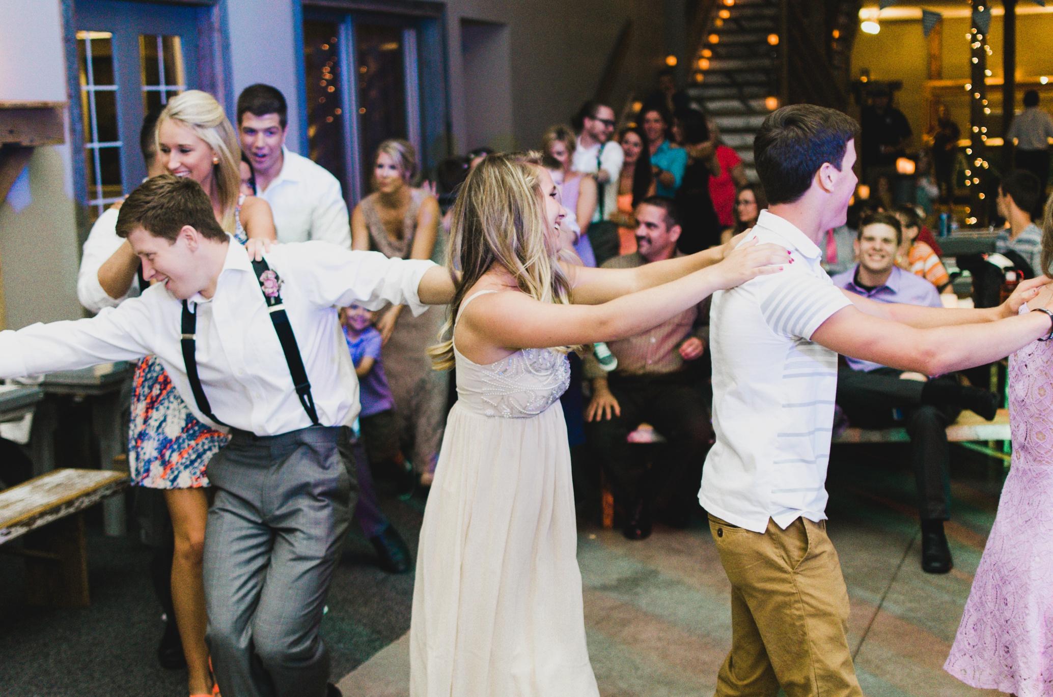 Barnes' Place Rustic Outdoor Wedding | Ali Leigh Photo Minneapolis Wedding Photographer_0190.jpg
