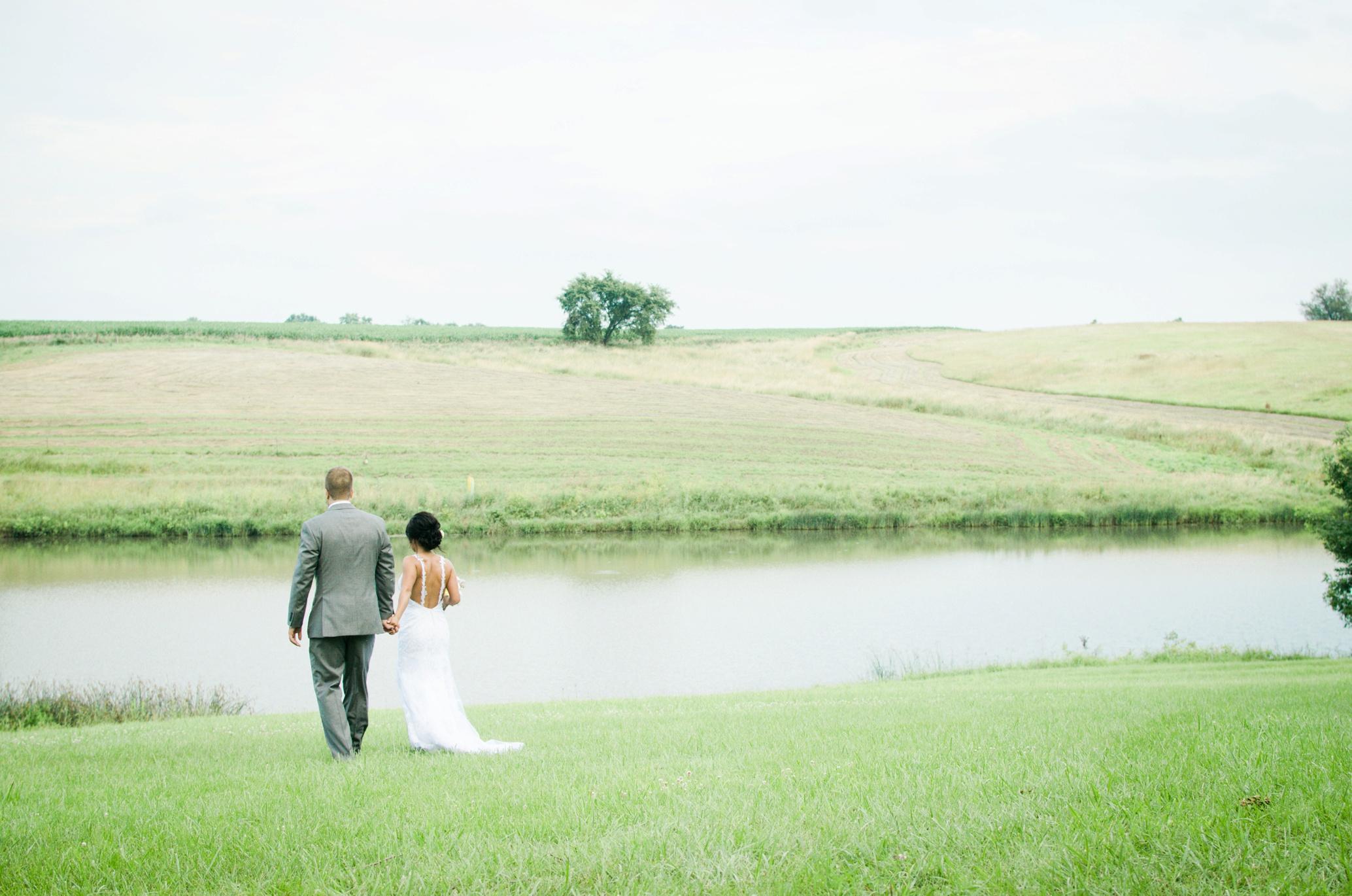 Barnes' Place Rustic Outdoor Wedding | Ali Leigh Photo Minneapolis Wedding Photographer_0197.jpg