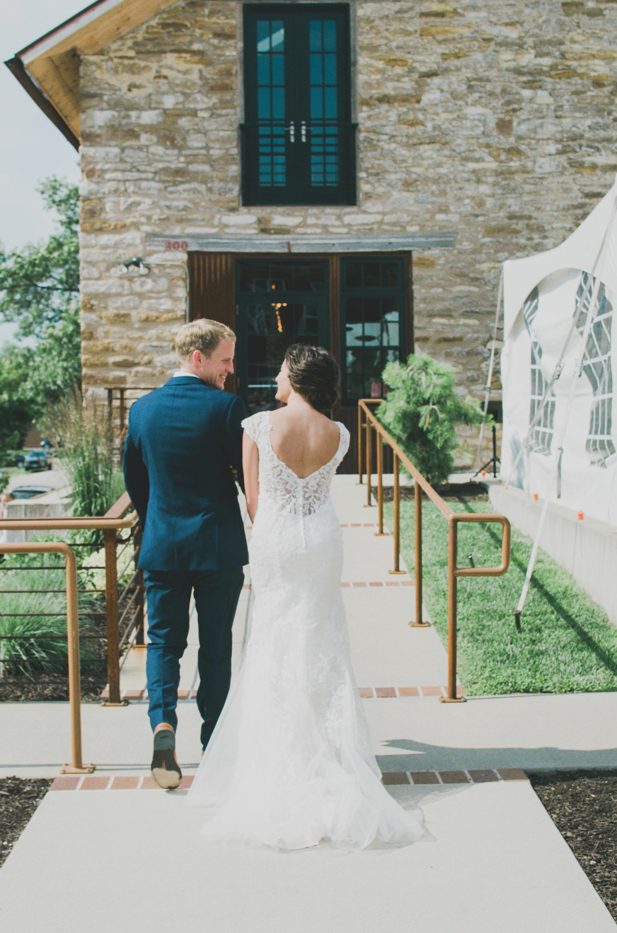 Palmer House and Stable Solon, IA | Ali Leigh Photo Minneapolis Wedding Photographer_0279.jpg