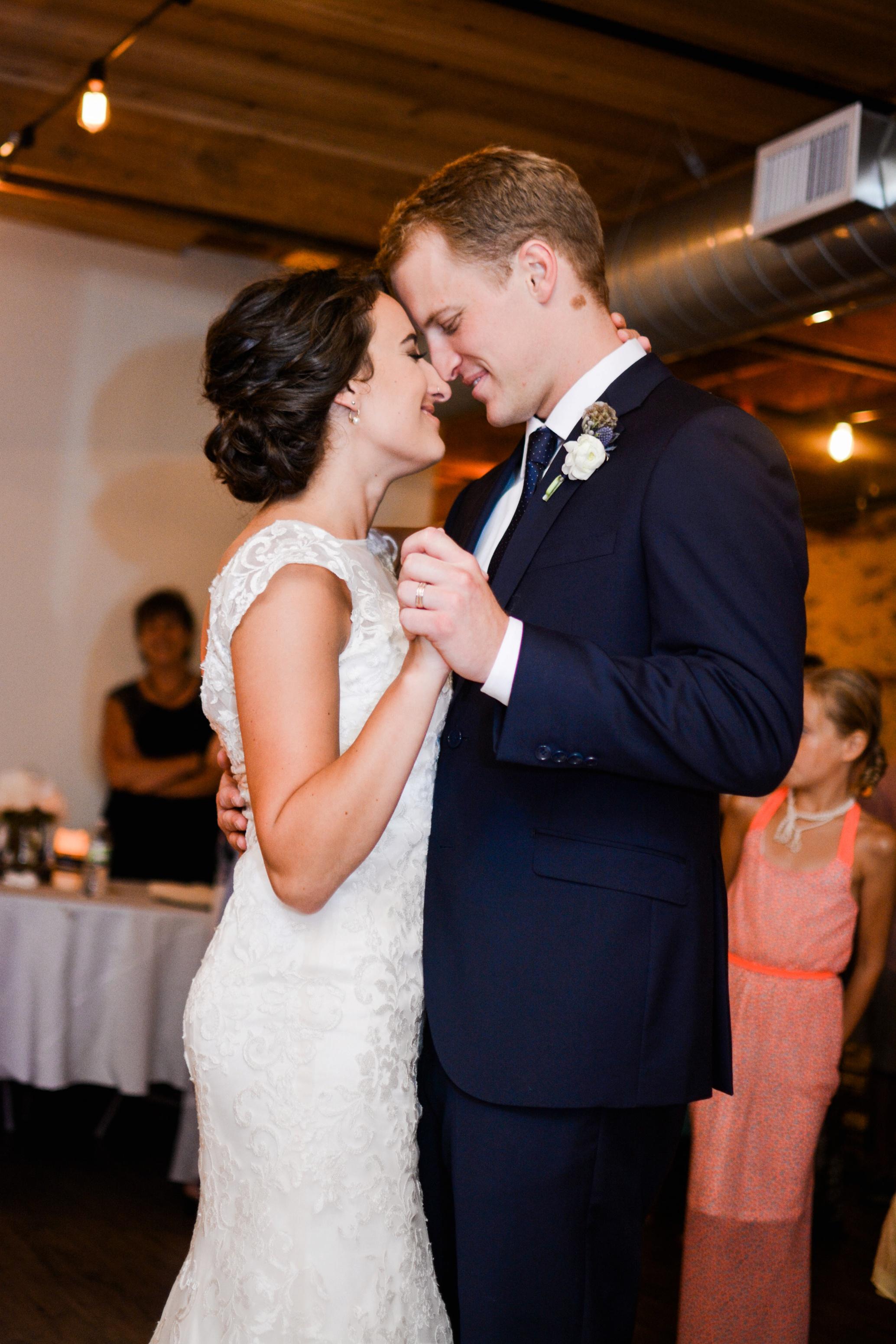 Palmer House and Stable Solon, IA | Ali Leigh Photo Minneapolis Wedding Photographer_0304.jpg