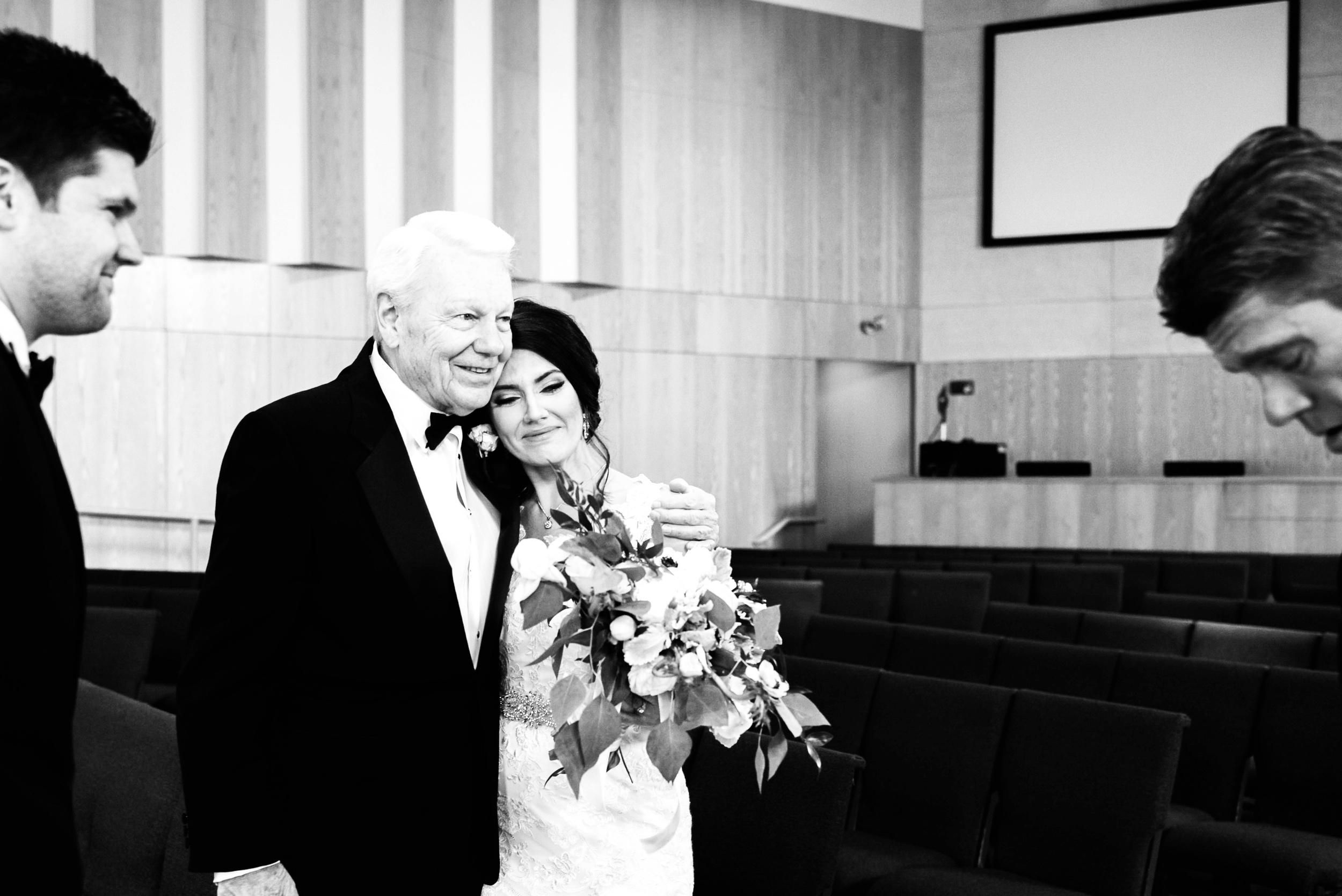 Des Moines Iowa Wedding Photographer_2069.jpg