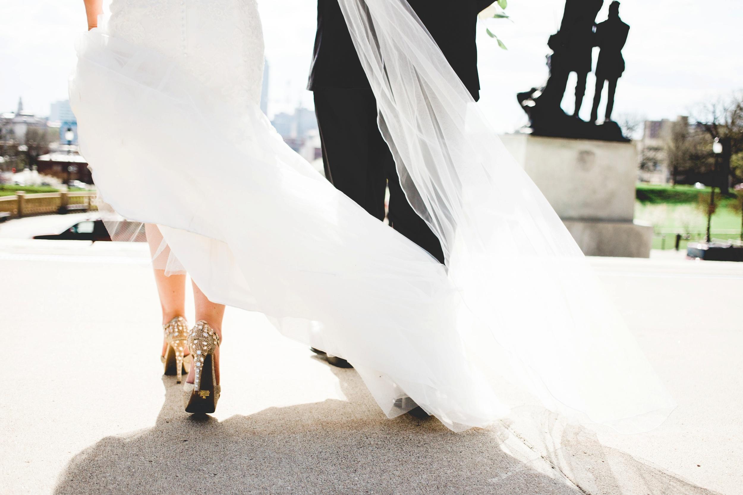 Downtown Des Moines Wedding Photographer_2107.jpg