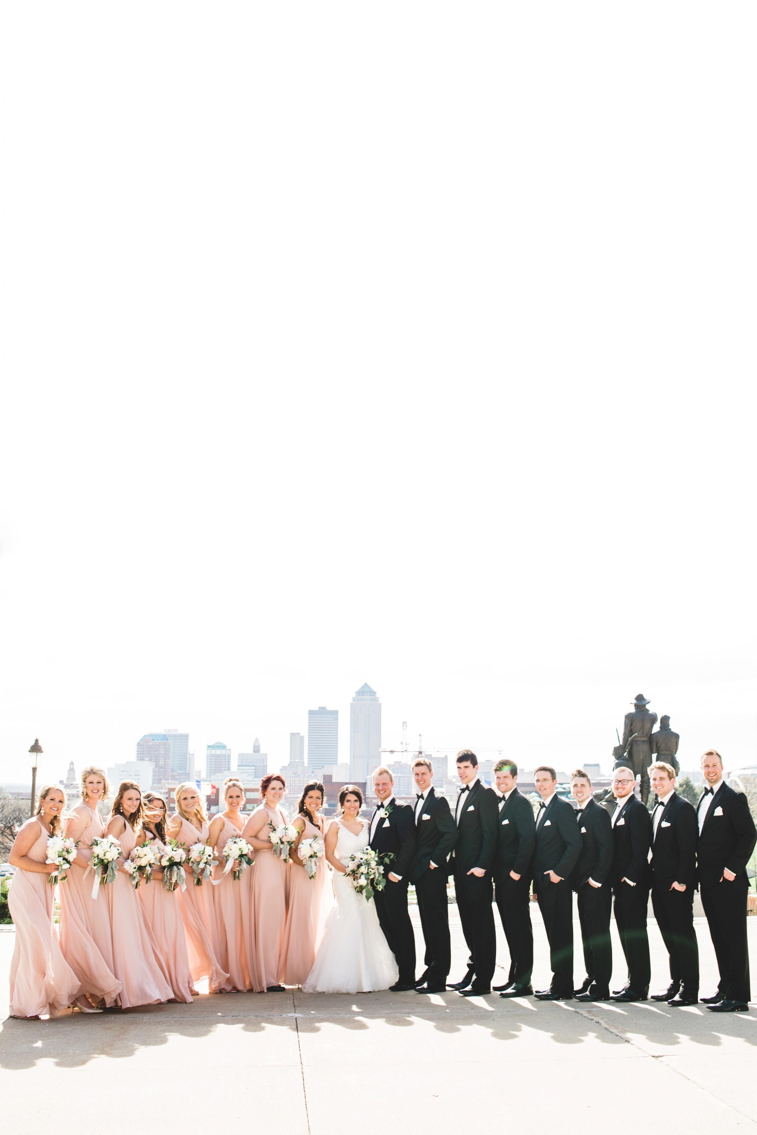 Downtown Des Moines Wedding Photographer_2111.jpg