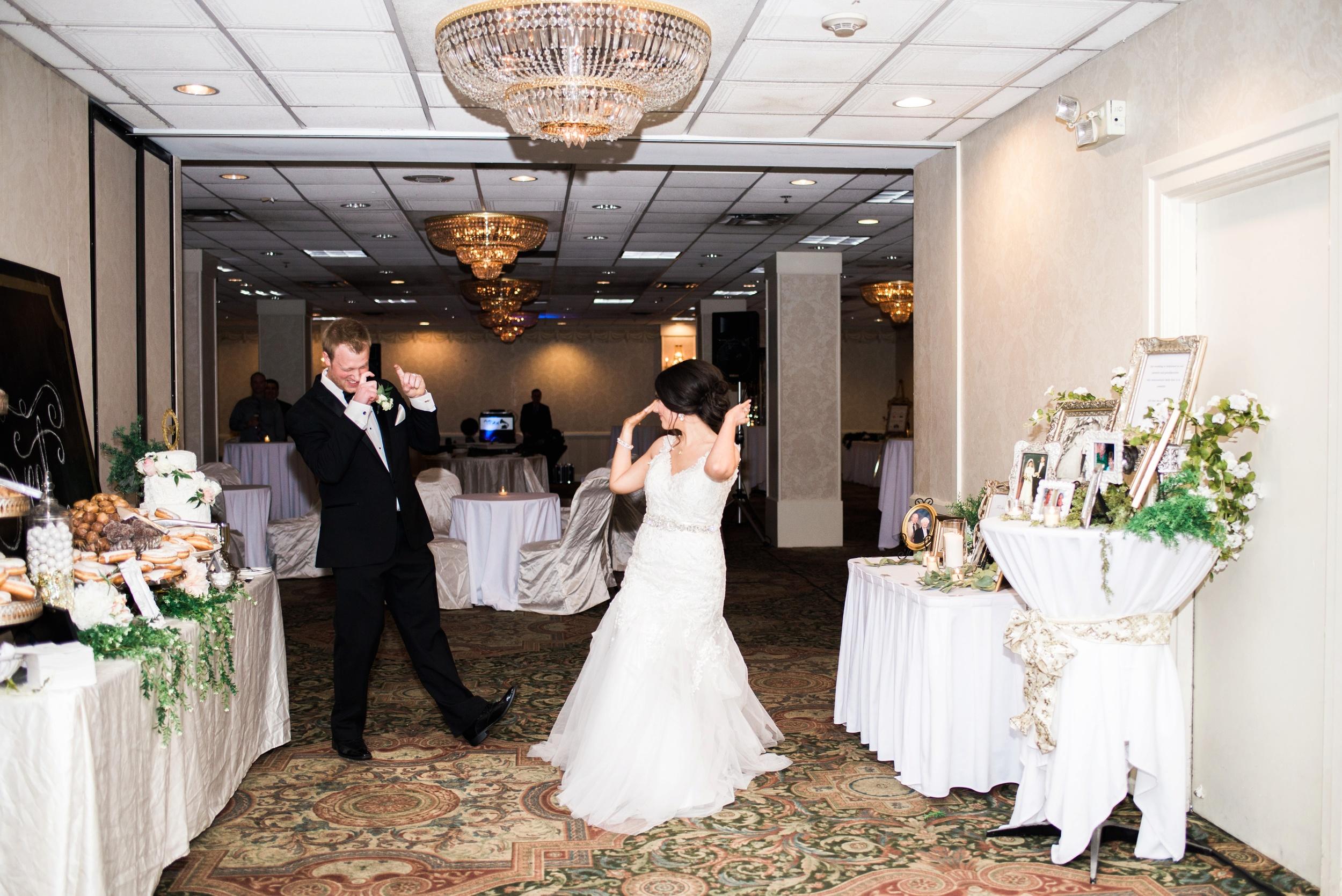 Downtown Des Moines Wedding Photographer_2129.jpg