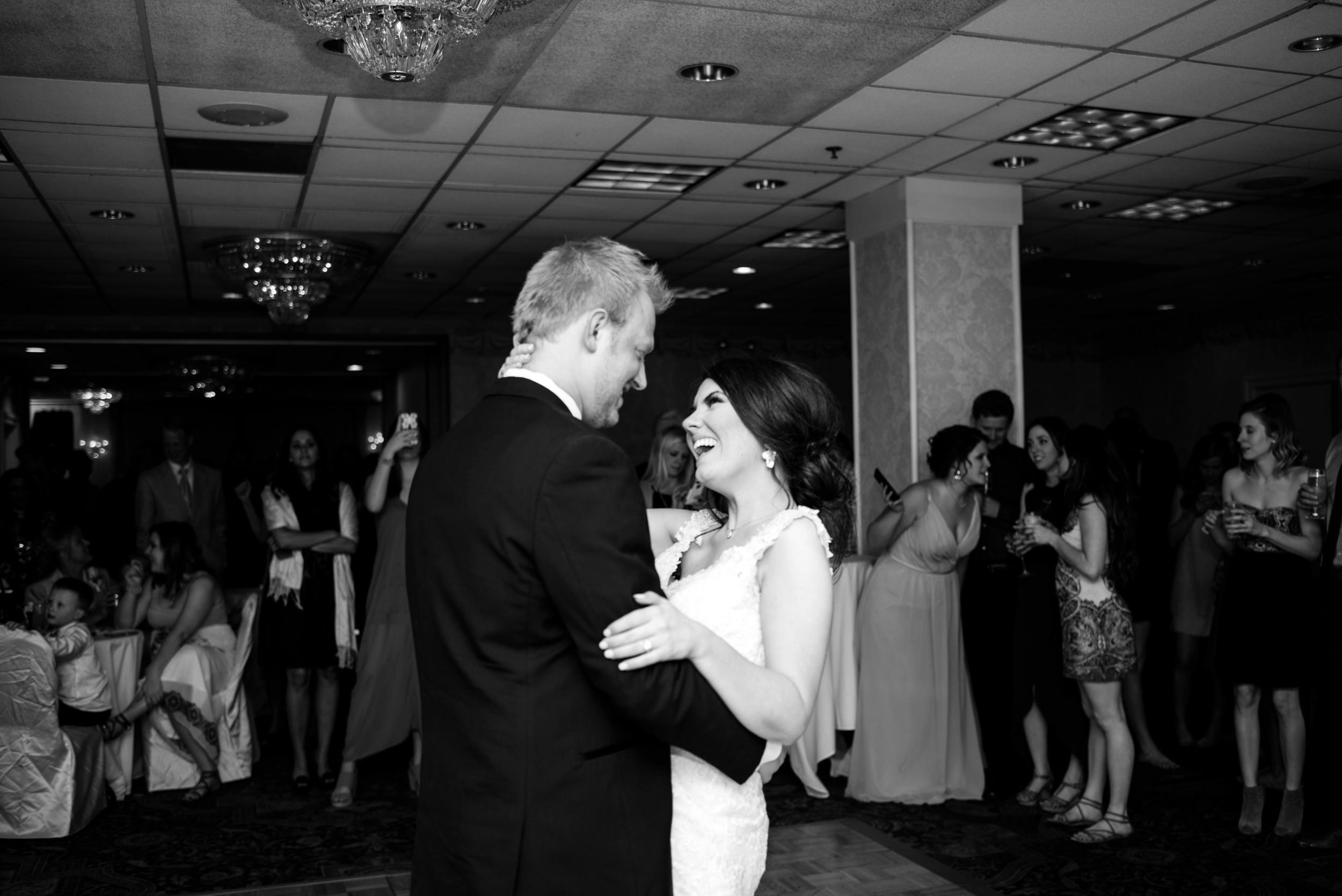 Downtown Des Moines Wedding Photographer_2142.jpg