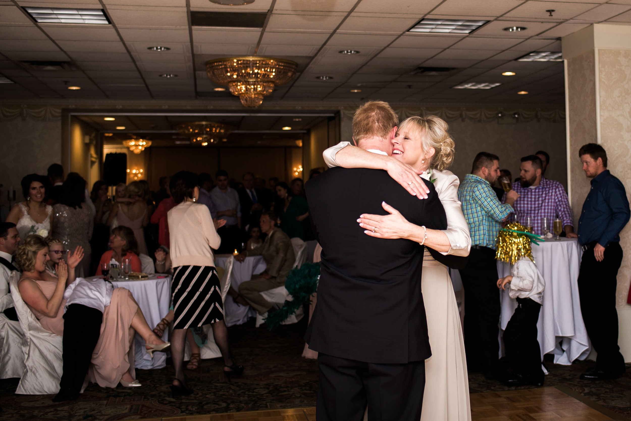 Downtown Des Moines Wedding Photographer_2147.jpg